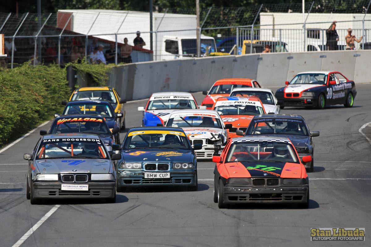 BMW 325i Cup auf dem großen Oval Stan Libuda Autosport Fotografie