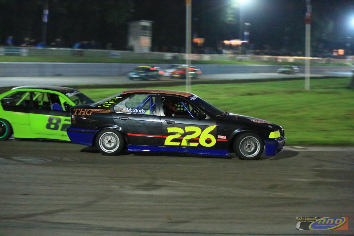 Auch bei Nacht macht die #226 eine gute Figur © Stan Libuda Autosport Fotografie