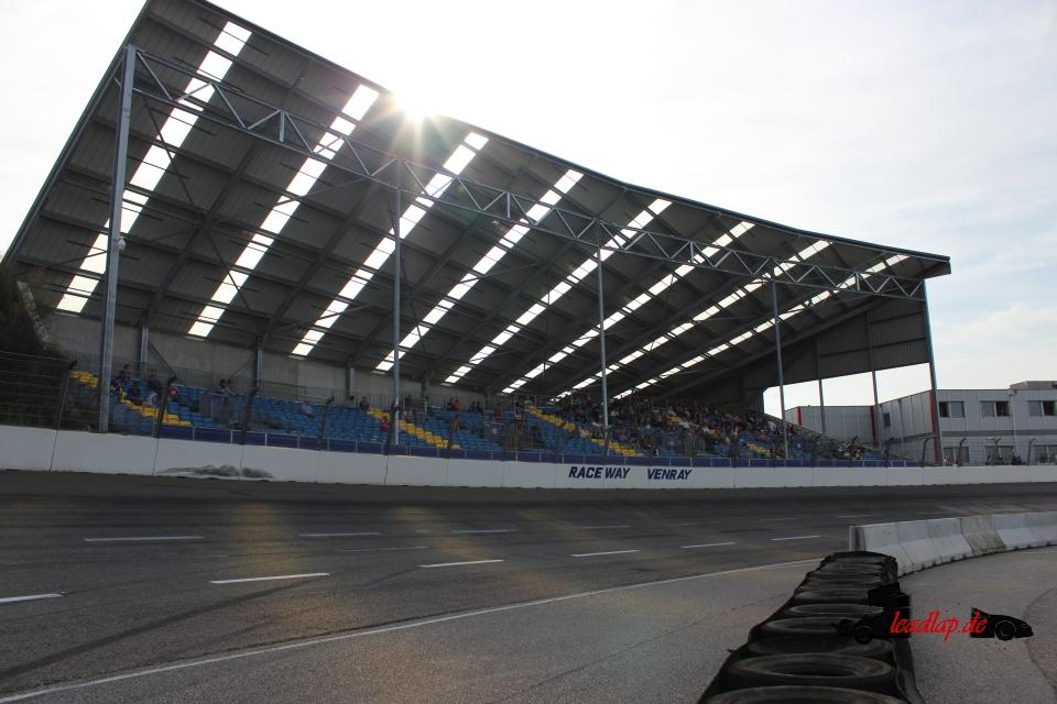 Tribüne auf dem Raceway Venray © André Wiegold