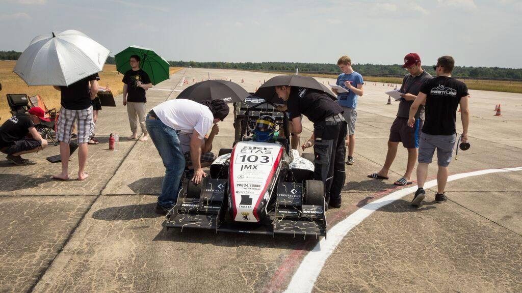 Racing und Engineering für Studenten! Studenten erschufen diesen Boliden! © MB Motorsport