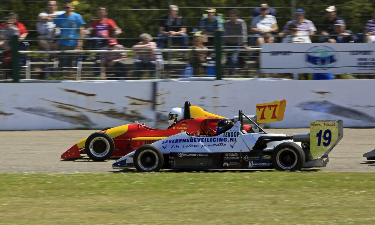 Enge Zweikämpfe garantiert! © Stan Libuda (Ovalrace.com/Stan Libuda Autospeedwayfotografie)